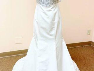 Casablanca Couture Size 10 Bridal Gown