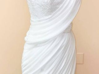 Pronovias Size 10 Designer Cocktail length Bridal Gown