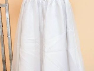 The Sweetie Collection White Flower Girl Special Event Dress   No size tag  appears to be Size 10 or 12