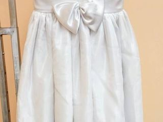 White with Pearl Detail Flower Girl Special Occasion Dress   No Size Tag  appears to be size 7 or 8