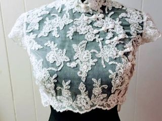 Size 10 Off White lace Wedding Bridal Jacket Top with Cap Sleeves