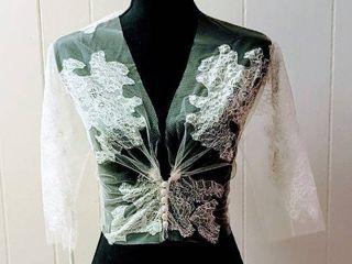 les Accessories Barcelona Size 10 Off White lace Bridal Jacket Bolero