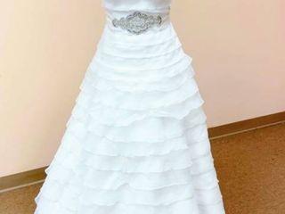 Pronovias Size 10 Off White Bridal Gown