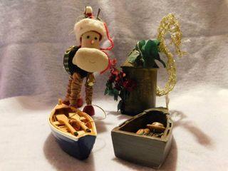 4 Christmas Ornaments Reindeer   Boat