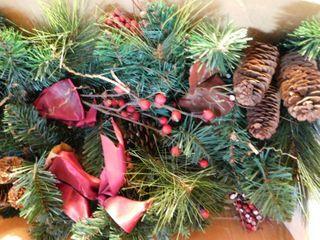 Holiday Garland   Pine Cones