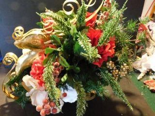 Reindeer   Sleigh Floral Decor
