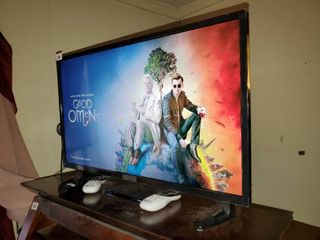 32  Insignia lCD TV in Working Condition