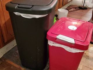 lot of 2 Trash Cans