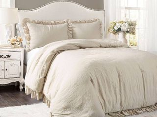 King 3pc Reyna Comforter  amp  Sham Set  Wheat   lush Decor
