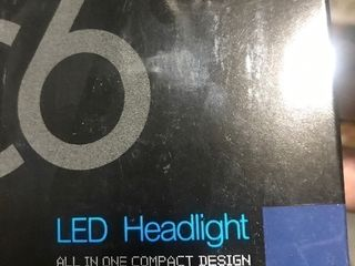 Set of 2 lED auto headlight bulb
