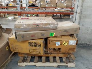 Misc Pallet of Furniture Pieces