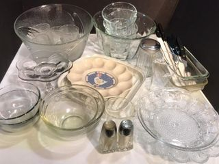 Pyrex Dishes   Punch Salad Bowls