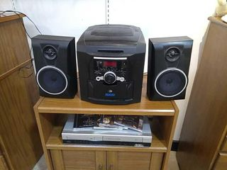 Stereo 5CD Player Radio    VHS Player