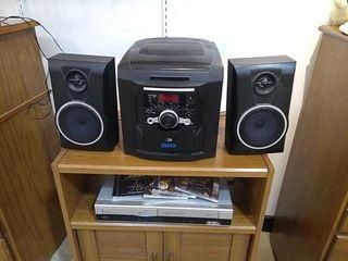 Stereo 5CD Player Radio    VHS Player