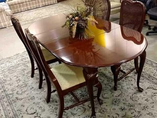 American Drew Dining Table   4 Chairs