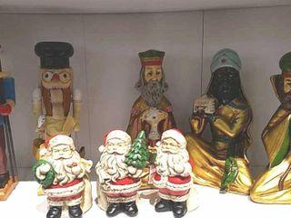 3 Wise Men  2 Nutcrackers    2 Santas