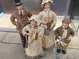 Set of 4 Dickens Carolers   3ft