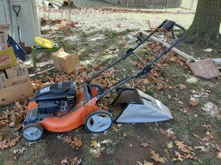 Husqvarna XT721F lawnmower with Bagger   Runs Good