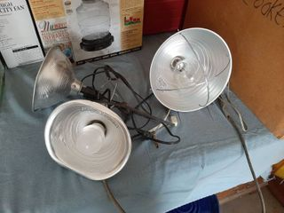 2 Clip lights and Heat lamp that Needs Cord Repair