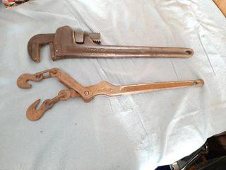 Ridgid 18  Pipe Wrench and Boomer
