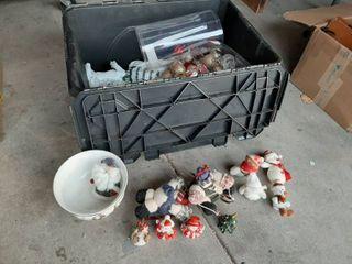 Husky 18 Gal  Flip Top Storage Bin with Christmas Decor