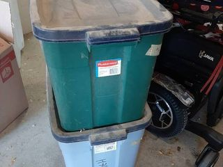 2 Rubbermaid Tubs with lids