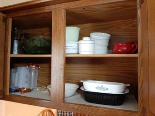 All Remaining in Cabinet   Bakeware and Bowls