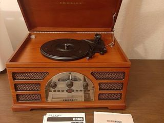 Crosley CR66 Rochester Radio   AM FM  Tape  CD  Phono