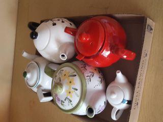 5 Tea pots