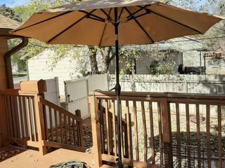 Patio Umbrella with Marble Base   Approximately 8 5  Diameter