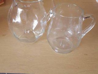 2 pitchers