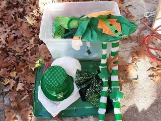 Tub with St Patrick s Day Decor