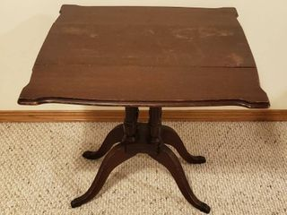 Vintage Duncan Fyfe Drop Sides Accent Table   Down  25 x 13 x 22 in tall   Up  25 x 25 x 22 in  tall