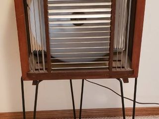 Four Speed Control Mathes Coolor   Wood   Metal   Works   19 5 x 10 x 38 in  tall   adjustable louvres