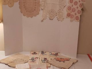 9 Pcs Embroidered linens   4 Dollies