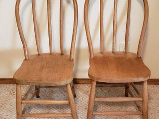 Pair of Spindle Wood Chairs   17 x 19 x 34 in  tall   Seat  15 in  wide