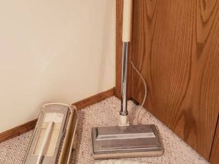 Electrolux Super J Canister Vacuum w Accessories   Works