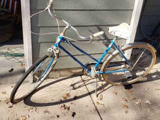 Penneys ladies 3  speed Bicycle   Model 3113C   24 in  wheels  tires may need replaced