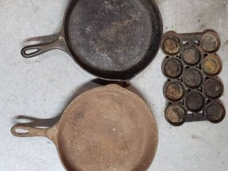 2 Wagner 10 in  Cast Iron Skillets and 1 Muffin pan