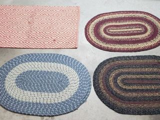 4 Small Rugs   3 Oval  30 x 20 in  and one 35 x 22 in