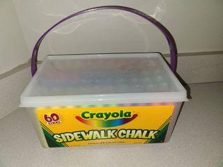 Crayola 60 PC Sidewalk Chalk New In Case