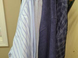 PAJAMAS AND ROBES POlO AND BROOKS BROTHERS  SIZE lARGE  ROBES ARE MEDIUM SMAll