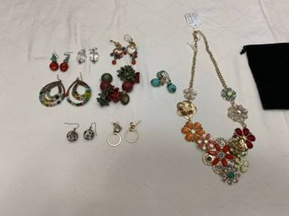 Assorted ladies jewelry end Betsey Johnson and eight pierced earrings