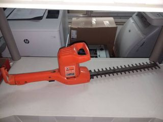 Black and Decker Headge Trimmer