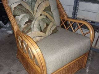 Wicker Swivel lounge Chair and Pillow