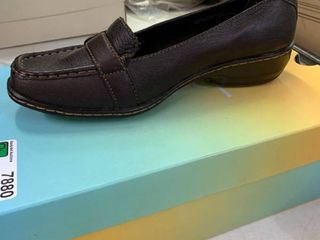 NEW IN BOX b o c  Shoes  Barinda  Brown  Size 9 M W  RETAIl  49 00