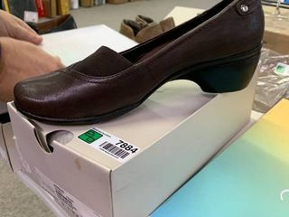 NEW IN BOX Hush Puppies Empress  Dark Brown leather  Size 10  RETAIl  64 99