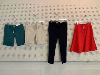 4  NWT 00P Bottoms   Ankle Pants  Skirt  2 Pairs Shorts  Combined MSRP  119 99