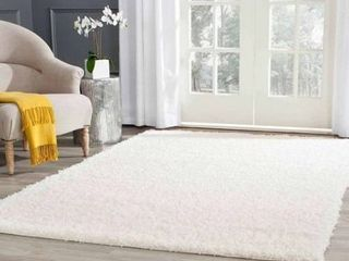 4 x6  Reedley Solid loomed Area Rug White   Safavieh