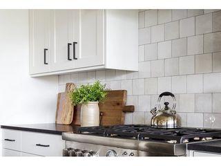 Cloe 5  x 5  Glossy Wall Tile in White  10 83 SqFt Ctn